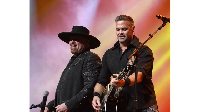 Troy Gentry of country duo Montgomery Gentry killed in NJ helicopter crash