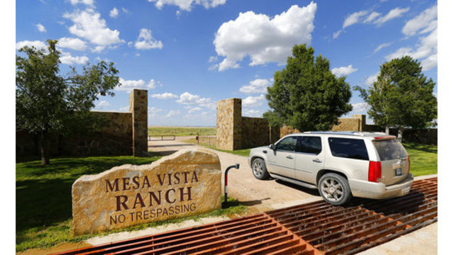 Oil tycoon Pickens puts Texas ranch on market for $250M