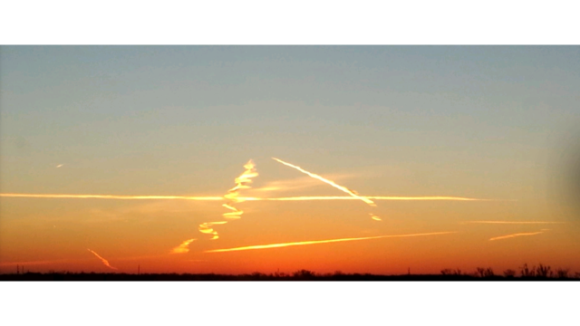 Shot of the day - sunrise contrails_528192