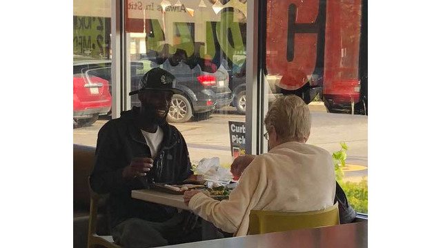 Heartwarming photo of strangers having lunch together at McDonald's goes viral