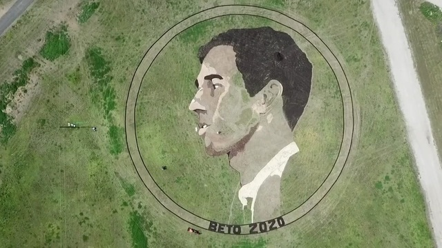 Kansas artist carves out Beto O'Rourke image in Texas field