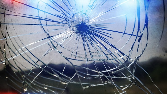 1 dead, 1 injured after car crash in Reno County